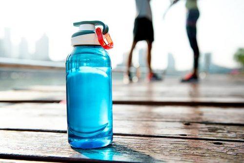 botella de agua de deporte