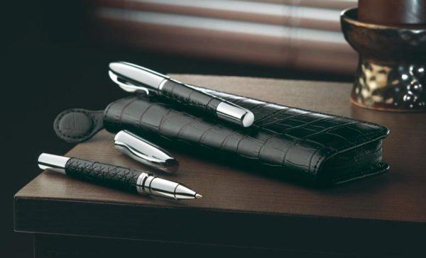 Pack de bolígrafo y pluma para regalo en caja de cuero elegante