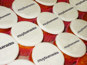 Cupcake-personalizado-para-eventos-de-inauguración