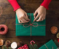 Lotes y cestas de navidad decorados para regalo