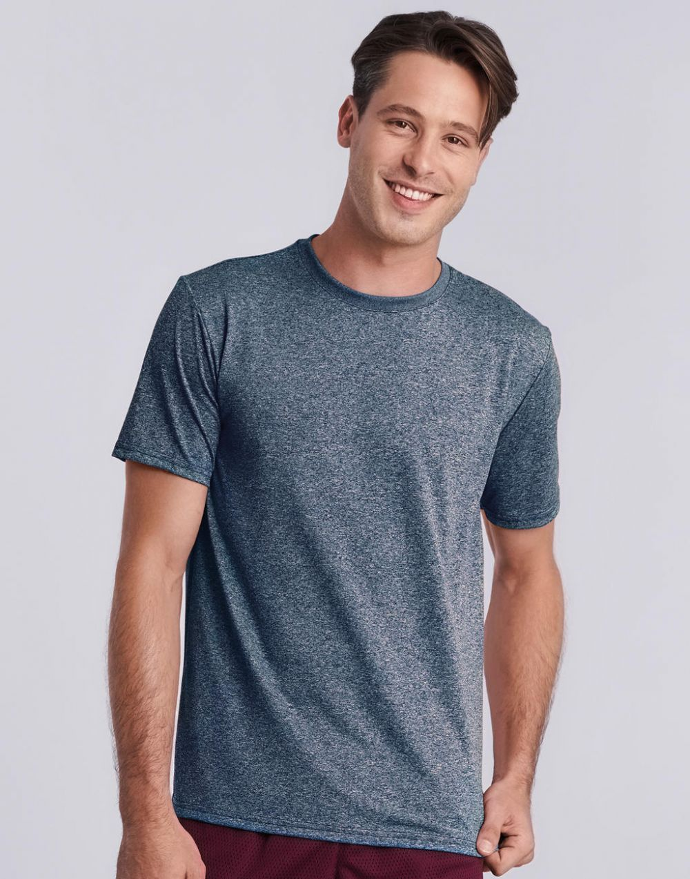 Camisetas técnicas gildan performance core hombre con logo imagen 1