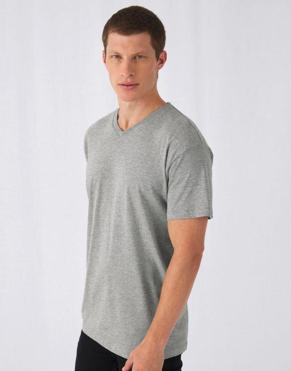 Camisetas publicitarias b&c exact v neck con impresión imagen 1