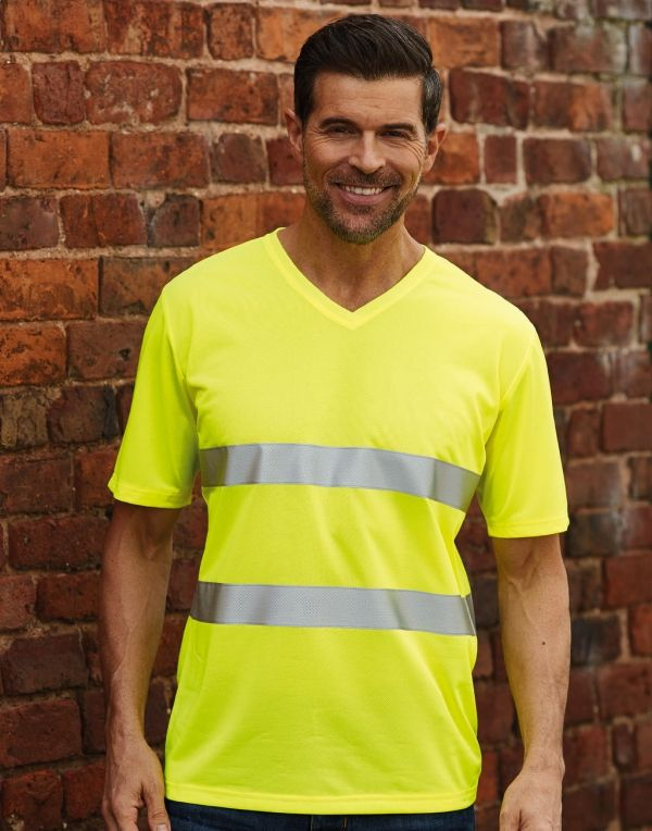 Camisetas reflectantes yoko cuello v fluo con publicidad vista 1