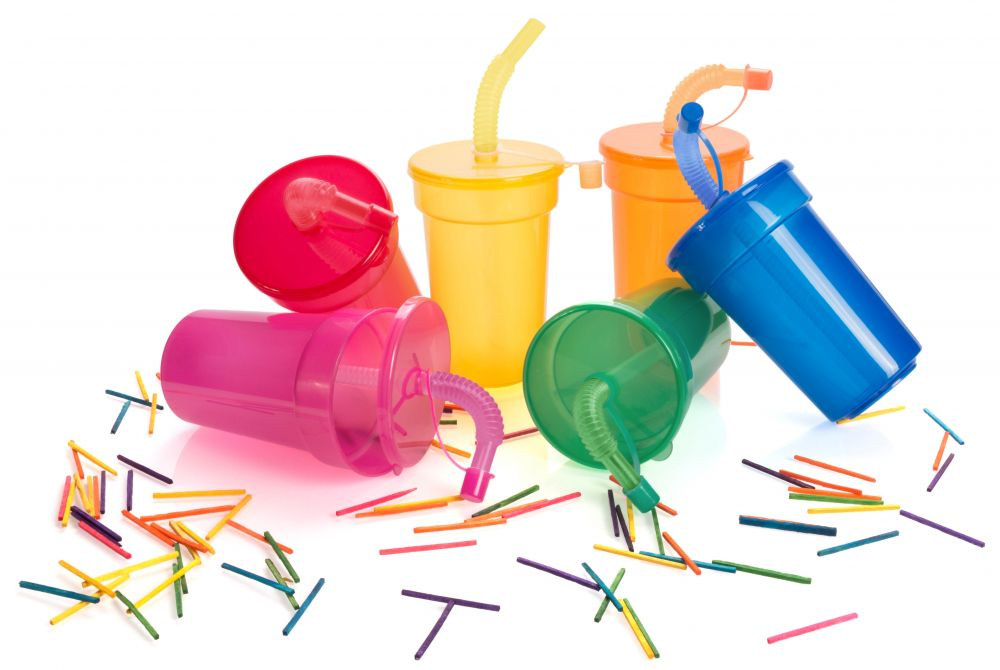 Vasos para llevar fraguen de plástico con impresión vista 1