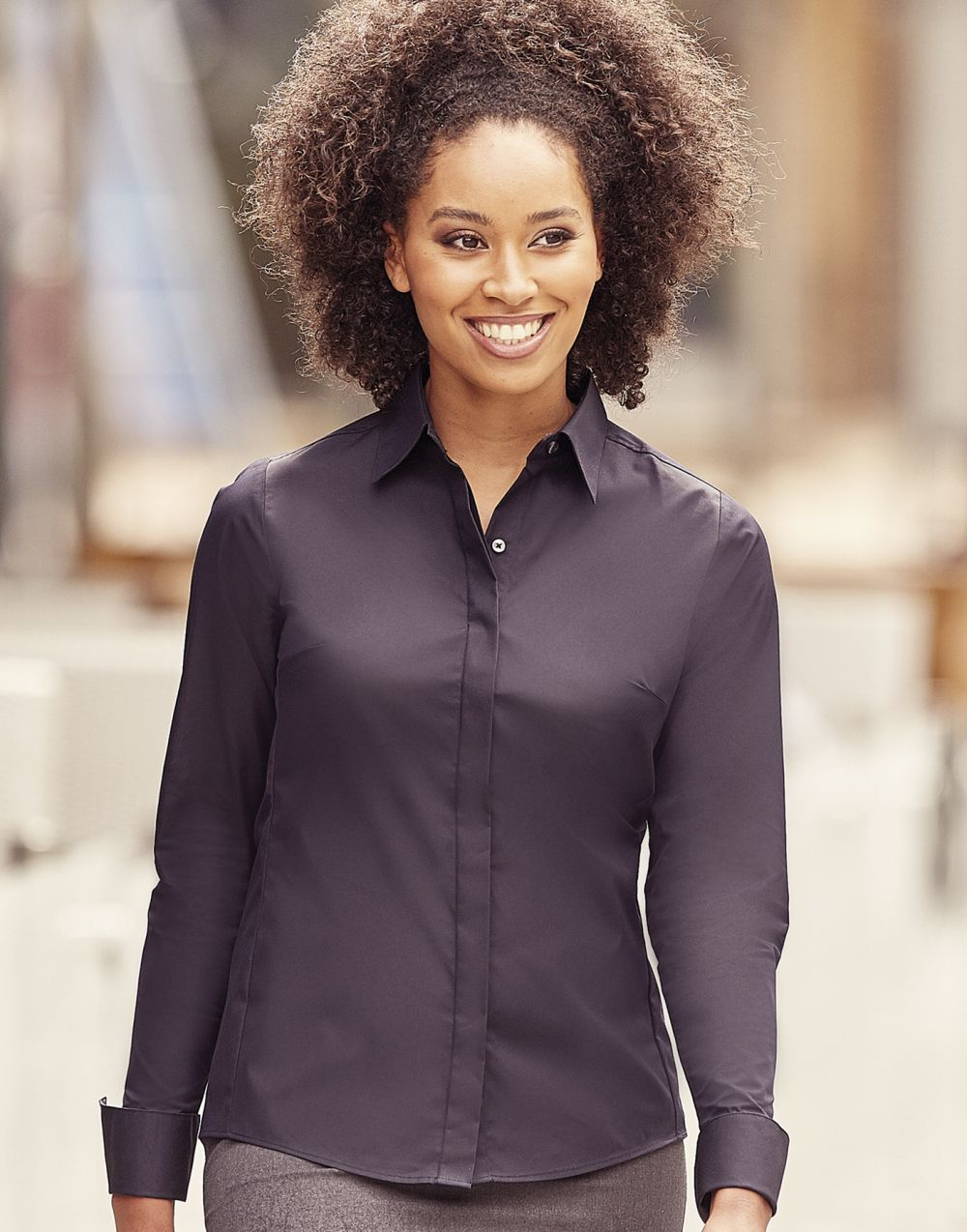 Camisas manga larga russell ajustada manga larga ultimate mujer con publicidad vista 6