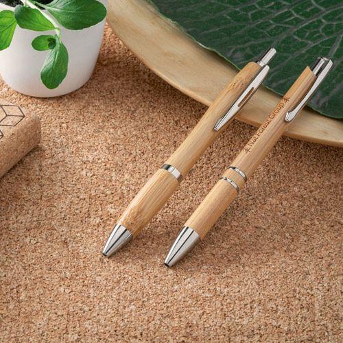 NICOLE. Bolígrafo de bambú