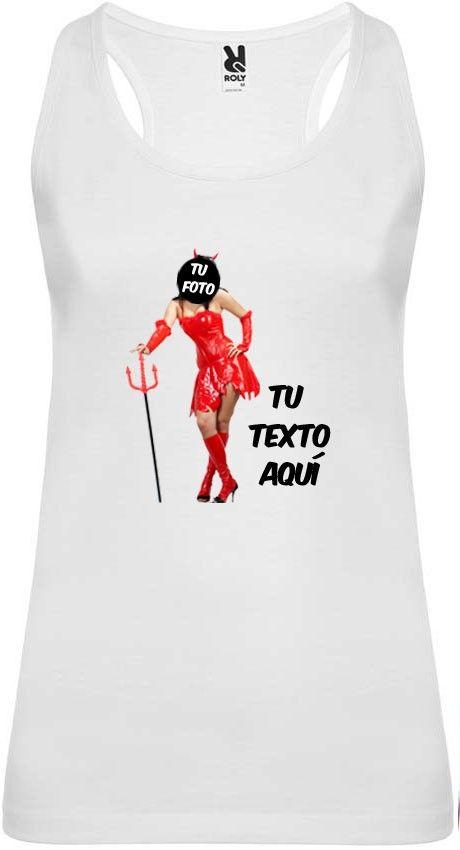 Camiseta blanca de tirantes para despedida de soltera con diseño de diablesa vista 1